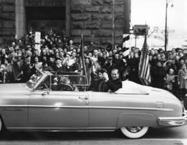 [H.R.H. Princess Elizabeth and the Duke of Edinburgh in motorcade]