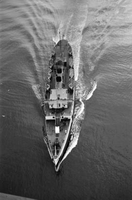 "[Bird's eye view from the Lions Gate Bridge of a C.P.R. ""Princess"" ship]"