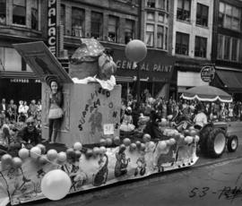 Vancouver Playland float in 1953 P.N.E. Opening Day Parade