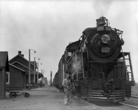 Port Mann C.N.R. [locomotive  No. 2753]