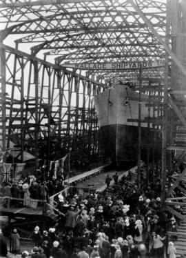 "[Crowds at Wallace Shipyards for the launching of the ""Chilkoot I""]"