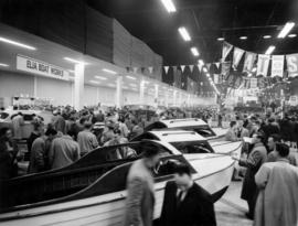 Crowd at boat show in Pacific Showmart building