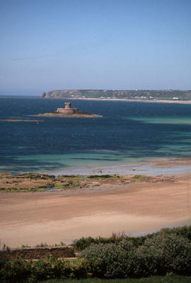 Landscape - general : martel tower (St. Ouen's Bay, Jersey)