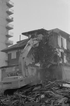 Demolition of Burrard St. VGCC [Vancouver Gay and Lesbian Community Centre]