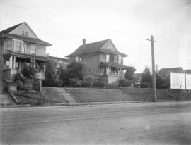 [Unidentified houses]