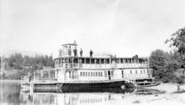 """Dorothy M"" - houseboat at home of Randolph Bruce"