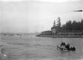 "[H.M.S. ""Hood"" visit - crowds at Brockton Point to watch arrival]"
