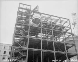 Construction of pan house and fitting tanks to pan floor