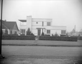 [Exterior view of a house]