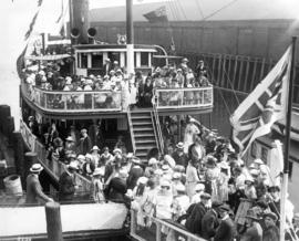 "[Hudson Bay Co. staff and families boarding the Union S.S. ""Cheam""]"