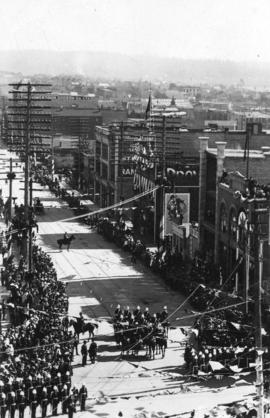 [View of Hastings Street looking east from Cambie Street during the visit of the Duke and Duchess...