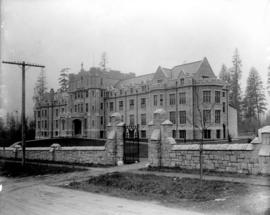 [Convent of the Sacred Heart, Marine Heights, Point Grey, B.C. later St. George's School]