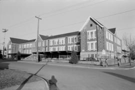 2500 Lakewood Drive (Laura Secord Elementary School)
