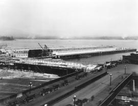 "[Construction progress photograph of the CPR Pier ""B/C""]"