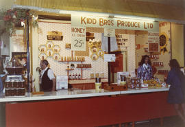 Kidd Bros. Produce display