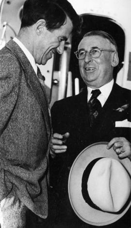 [Sir Edmund Hillary and Mayor Fred Hume]
