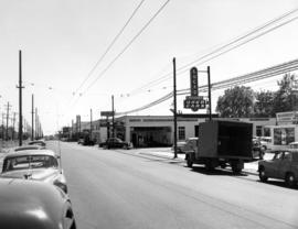 [Southern view of West Boulevard from 39th Avenue]