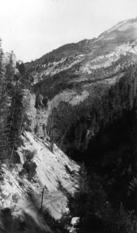 Board of Trade trip, Okanagan and Kootenays : Lower part of Sinclair Canyon