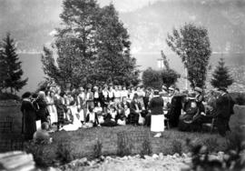 Picnic of the graduating class of the Vancouver General Hospital [at Orlomah Beach] : The class p...