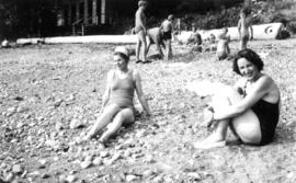 Picnic at Garrow Bay : Bea[trice Timmins] and Heather