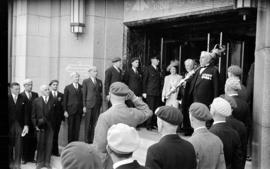 [Queen Elizabeth and Mayor Lyle J. Telford leave City Hall]
