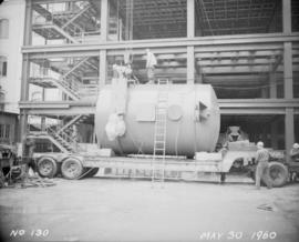 Construction of pan house: tank before hoisting