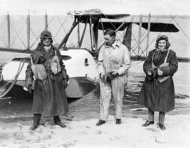 [Flying. Left to right: the Mayor L.D. Taylor, Major [Tudhope?] M.C., Captain Glover, before seap...