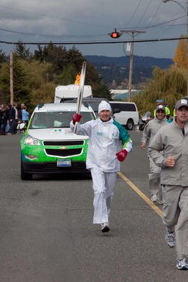 Day 001, torchbearer no. 045, Ia N - MacDonald North Saanich