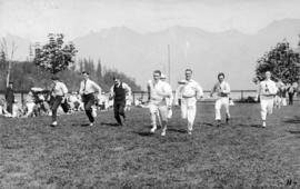 Music dealers picnic, young men's running race