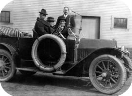[James Crookall and others in a car]