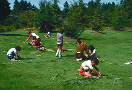 Garden art and craft : reed mat making, holly lawn