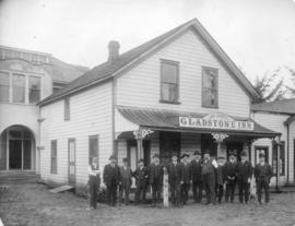 [Group portrait of South Vancouver pioneers in front of Jos. Curry's Gladstone Inn - Westmin...