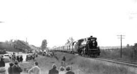 At Fort Langley : The royal train [during visit of King George VI and Queen Elizabeth]