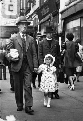 Mr. Mount and daughter on downtown [Vancouver, B.C.] street