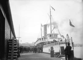 "[People boarding the ""City of Seattle"" at Evans, Coleman and Evans dock]"