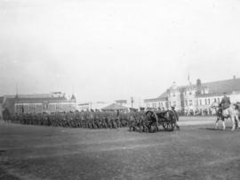 [Machine gun detachment, 6th Regiment, D.C.O.R. drill on the Cambie Street Grounds]