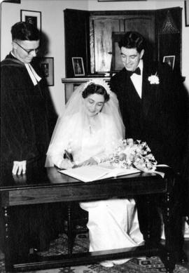 The wedding of Miss Kathleen Helen Scott and Robert Boscawen Matthews, Canadian Memorial Church, ...