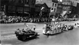 [Unidentified floats in the Dominion Day Parade]