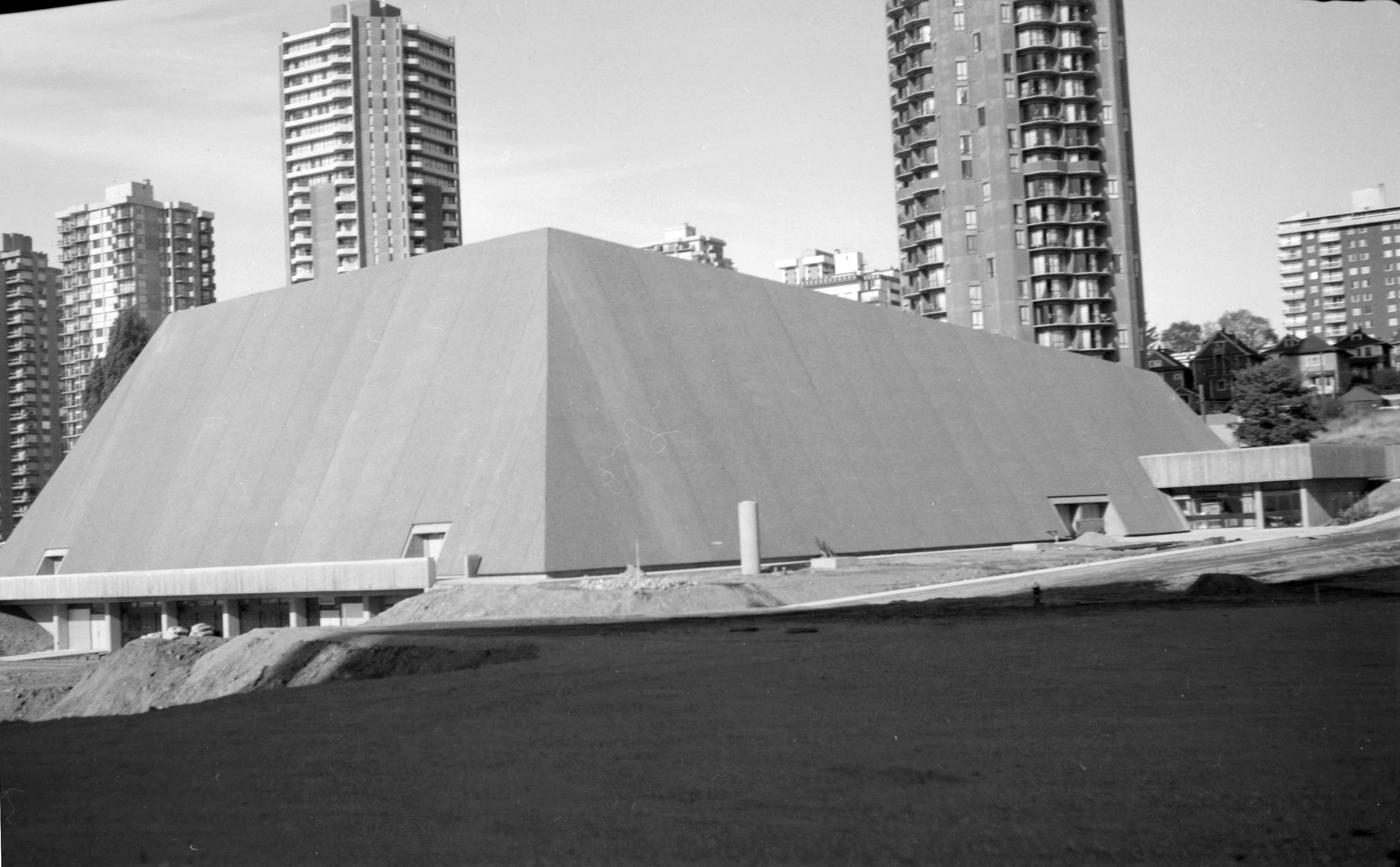 New Swimming Pool Aquatic Centre 1050 Beach Avenue City Of Vancouver Archives