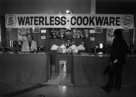 Waterless-Cookware display