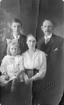 [John C. Anderson and family]