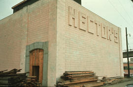 Hector's, 5th Avenue at Fir Street