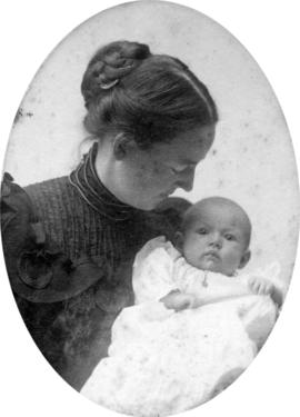 [Edith Amy Cooley Baker with Katherine Amy Baker]