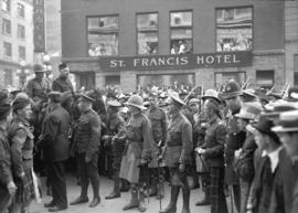29th military [officers, soldiers and crowd in front of St. Francis Hotel]