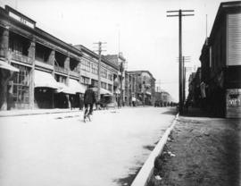 [Looking north towards Pender Street along the west side of the 500 block of Carrall Street]