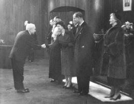[Chief Justice Wendell Farris greets H.R.H. Princess Elizabeth and H.R.H. Philip Duke of Edinburgh]