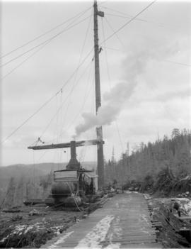 High rigging [and donkey engine for] Pacific Mills [on the] Queen Charlotte Islands