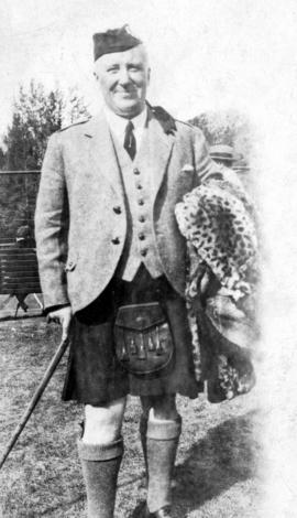 [Man wearing Scottish dress]