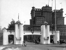 [Prince of Wales Arch at Georgia Street and Howe Street]