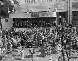 V.E. Day [crowds at the] Bond Shell